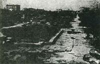 空襲直後の桜筋の写真