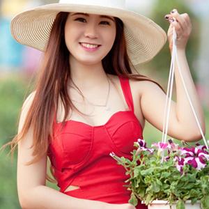 お花を持っている女性
